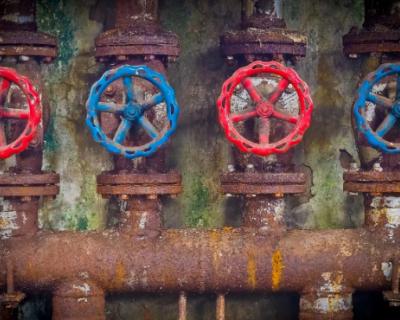 Губернатор Севастополя пообещал сократить потерю воды в городских сетях