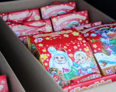Новогодние подарки маленьким севастопольцам доставят на дом