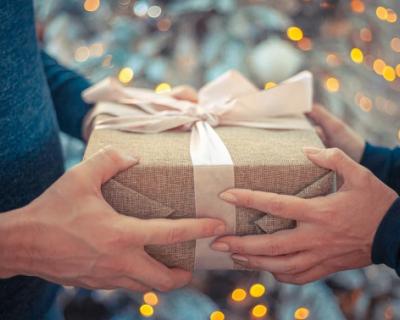 Ученые и предприниматели преподнесли социальному учреждению новогодний подарок