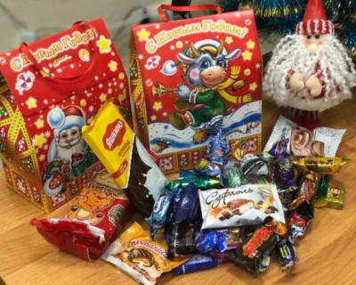 В Севастополе расширен перечень категорий детей, которые получат новогодние подарки от государства
