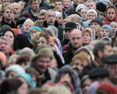 Подборка законодательных изменений, которые вступят в силу в России практически с боем курантов