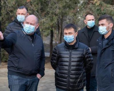 Губернатор Севастополя начал осмотр благоустроенных в 2020 году общественных пространств