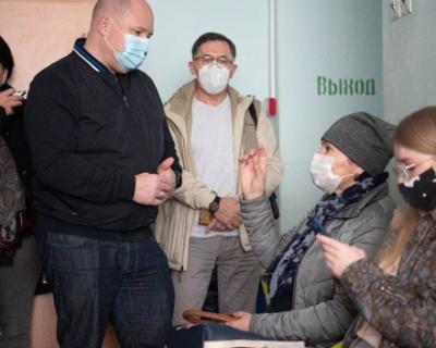 Михаил Развожаев неожиданно нагрянул в больницу Севастополя