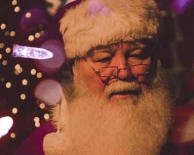 Самый щедрый Дед Мороз в Севастополе - член «Единой России»?