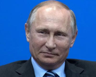 Путин потребовал начать массовую вакцинацию россиян со следующей недели