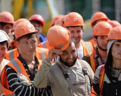 Владимир Путин распорядился упростить въезд в Россию мигрантам
