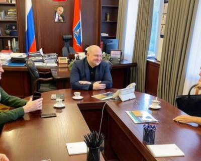 Губернатор Севастополя обсудил с дочерью Шойгу развитие триатлона в городе
