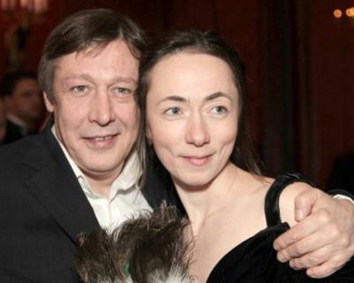 Жена Михаила Ефремова потребовала отдать ей все деньги, которые он спрятал