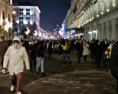Почему оппозиция решила слить протестные акции?