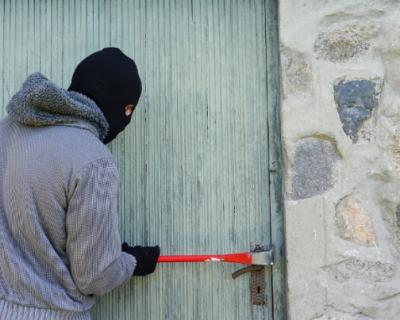 Жители Ханты-Мансийского округа промышляли кражами в Севастополе