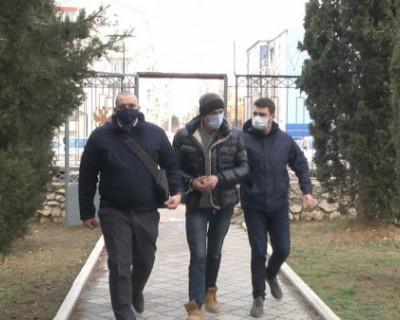 Житель Севастополя поплатился за то, что при поездке в такси взял попутчиком незнакомца