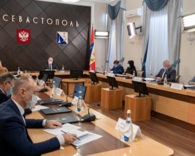Губернатор Севастополя поручил при потеплении незамедлительно убрать с дорог остатки песка и соли