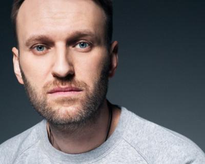 Алексея Навального этапируют в колонию, находящуюся в Центральной России