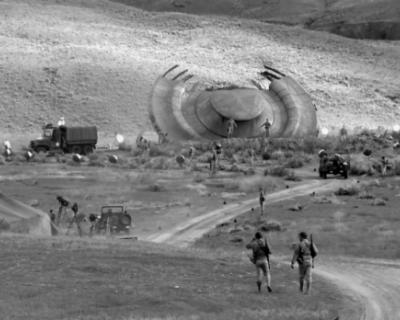 Официально: сотрудники Пентагона изучали места падения НЛО и некие секретные материалы