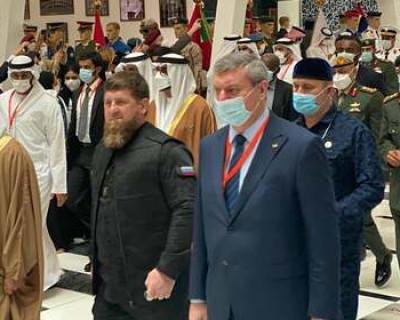 От вице-премьера Украины потребовали объяснений за фото с Кадыровым