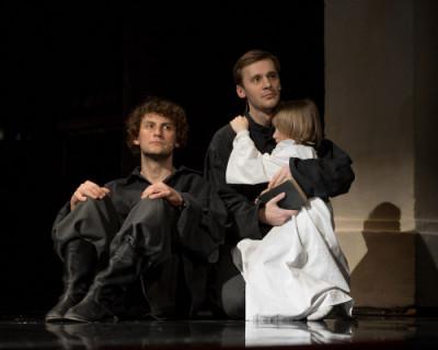 СевГУ и театр Луначарского возобновляют театральные вторники