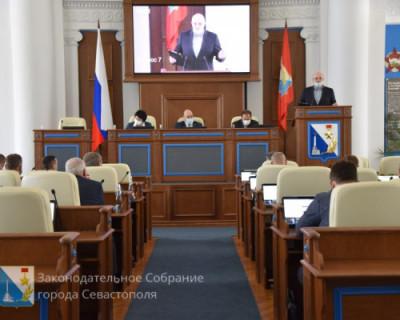 После принятия депутатами Заксобрания Севастополя отдельных законов не придётся ли гражданам доказывать в суде, что они не верблюды?