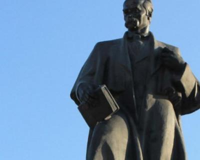 За какие заслуги украинский писатель получил «прописку» в Севастополе!?