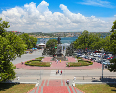 Ограничение парковки на пл. Нахимова в Севастополе