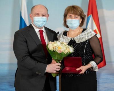 Губернатор Севастополя вручил награды медицинским работникам за самоотверженный труд в период пандемии COVID-19