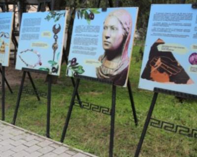 В Херсонесе проходит выставка, посвященная древнегреческим женщинам
