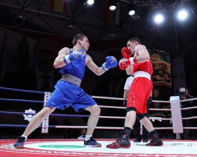 Студенты из Севастополя участвуют в соревнованиях по боксу в Грозном