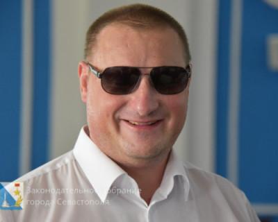 Когда севастопольскому депутату делать нечего, он в Калугу едет?