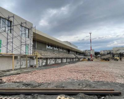 В Севастополе строительство стадиона «Горняк» выполнено на 45%