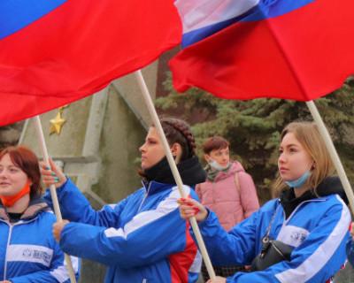 Студенты Севастополя выступили на одной сцене с группой «Любэ»