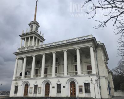 Разруха театра имени Лавренева в Севастополе