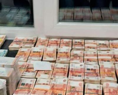 Деньги и ценности найденные при обыске у главы Пензенской области