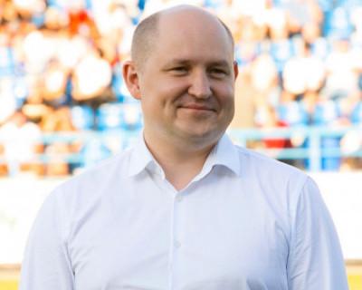 Губернатор Севастополя сообщил о сокращении сроков решения вопросов по содержанию многоквартирных домов и мусору