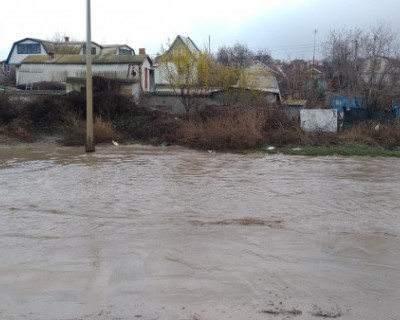 Как отдельные района Севастополя после каждого дождя превращаются в Венецию (ВИДЕО)