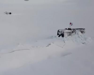 Российские подлодки впервые всплыли во льдах Арктики