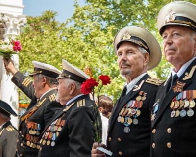 Севастопольские ветераны получат выплаты ко Дню Победы уже в апреле