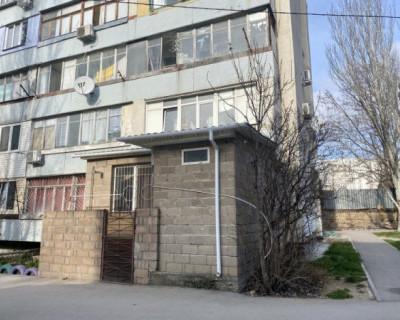 В Севастополе пристройка на ул.Хрусталева 119-А нарушает конструктив многоквартирного дома