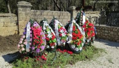 Эксклюзивные фото могилы Януковича - младшего на Севастопольском кладбище