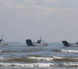 Десантные катера Каспийской флотилии переходят в Черное море