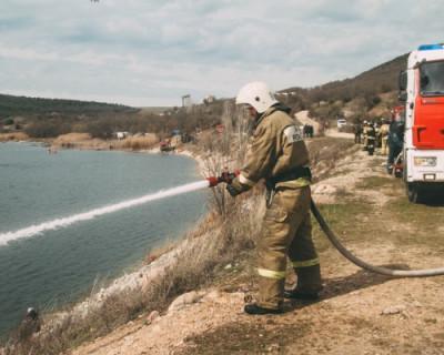 Спасатели МЧС Севастополя провели учения по ликвидации потопа