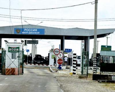 Приезжающие в Крым обязаны сдавать тест на коронавирус