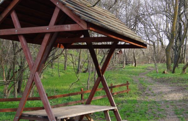 крымская скала в долине реки Западный Булганак