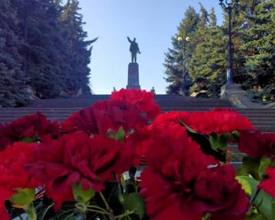 Севастопольские коммунисты отметили 151 год со дня рождения Владимира Ленина