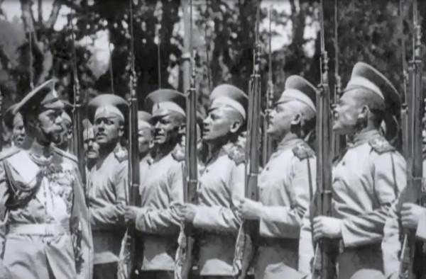 В армию призывались лица, достигшие к 1 января призывного года возраста 20 лет