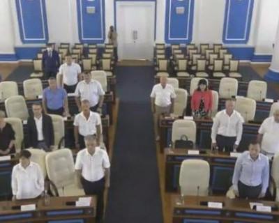 Севастопольский депутат Климов прирастает землёй, а Кияшко рассчитывает на полквартиры