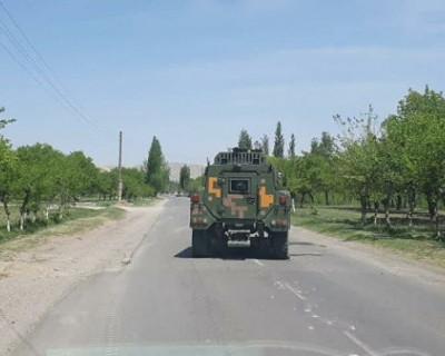 Киргизия обвиняет Таджикистан в стягивании войск к границе
