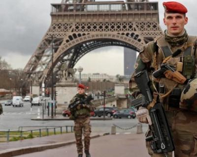 Что ждет Францию: диктатура или развал страны?