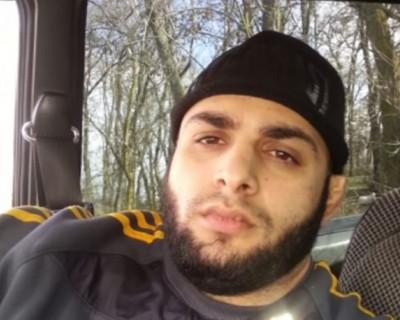 Мужчина 45 дней живёт в машине между Украиной и Крымом