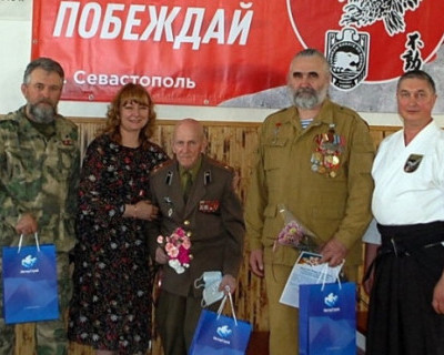 Сотрудники «ИнтерСтрой» оказали знак внимания ветерану Великой Отечественной войны
