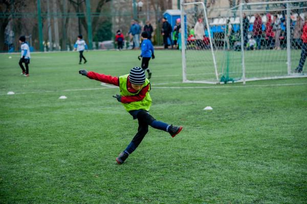 тренировка детей по футболу