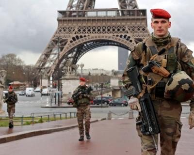 Французские военные потребовали навести порядок в стране